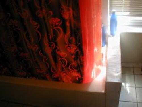 Modne i estetyczne zasłony prysznicowe